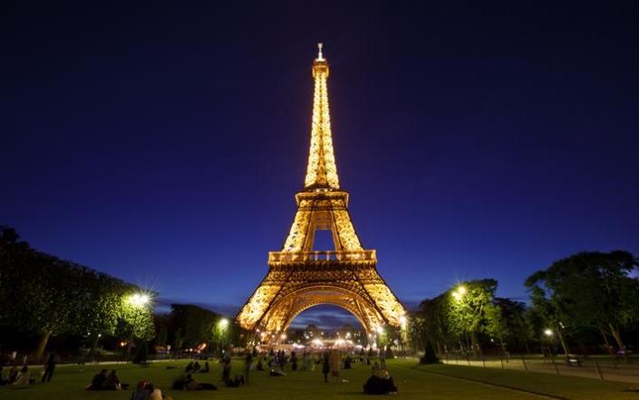 14 Gambar Menara Eiffel yang Sangat Keren